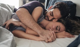 Things Guys Do That Makes Us Fall in Love With Them