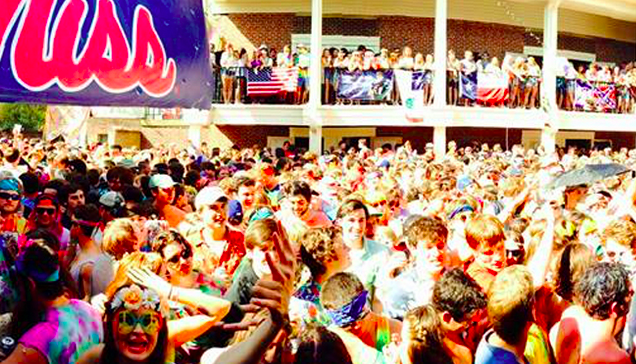 The Top 100 Colleges For Greek Life Just Got Released